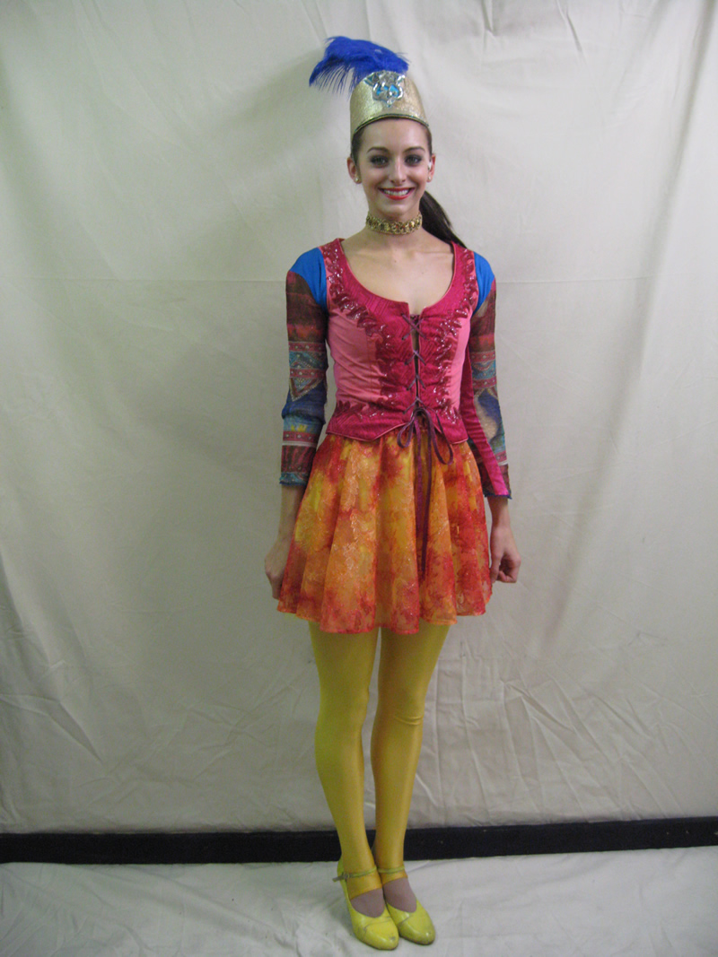 ensemble-circus-female-2