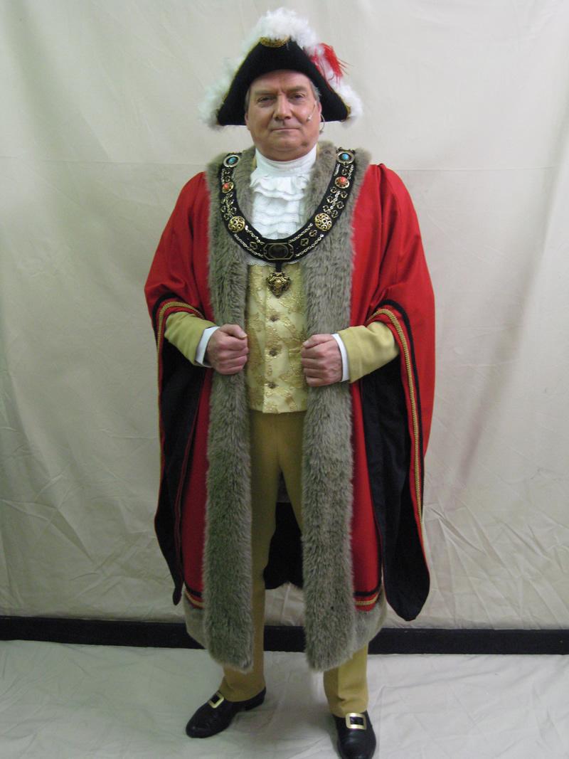 mayor-standard-with-robe