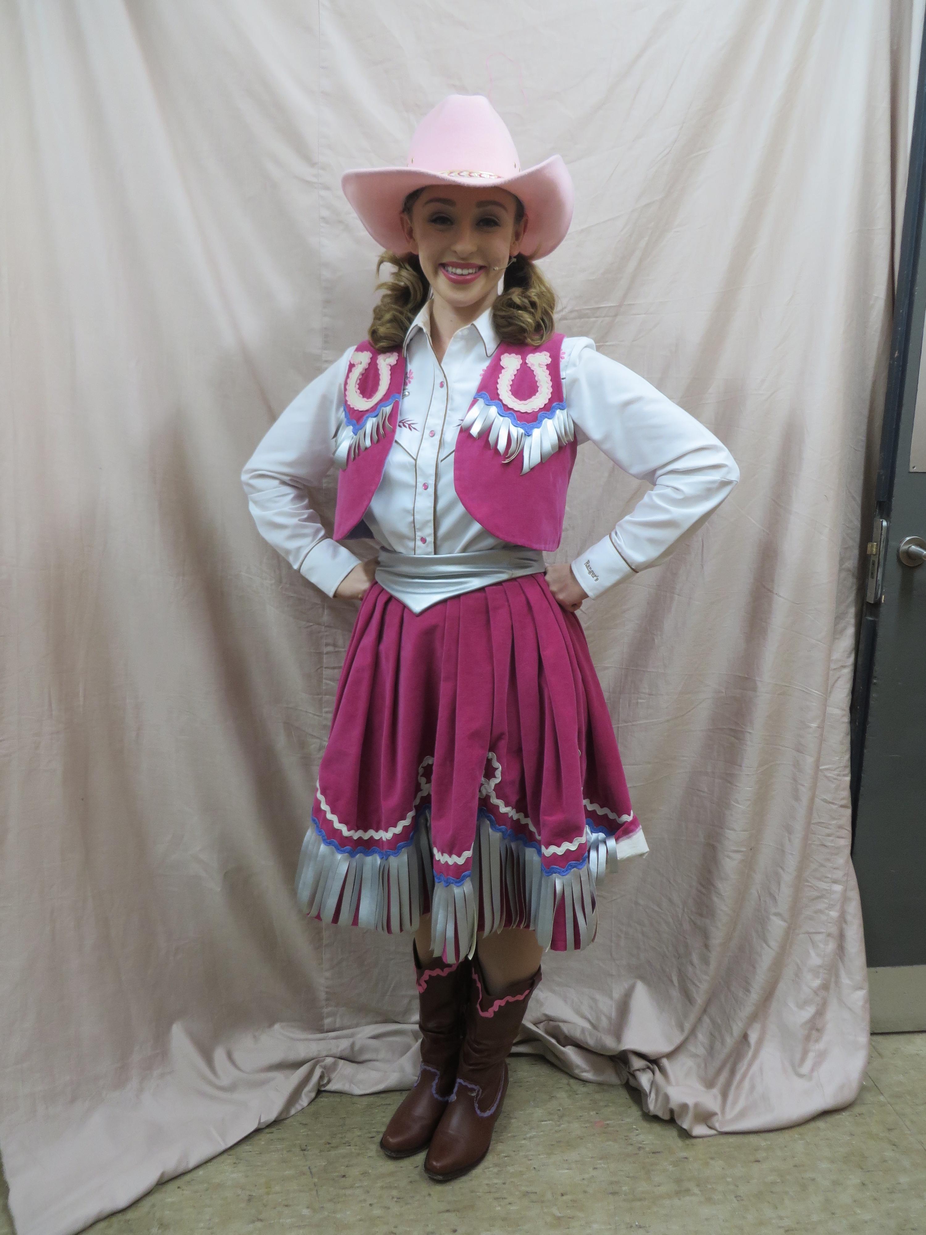 GE Cowgirl (1)