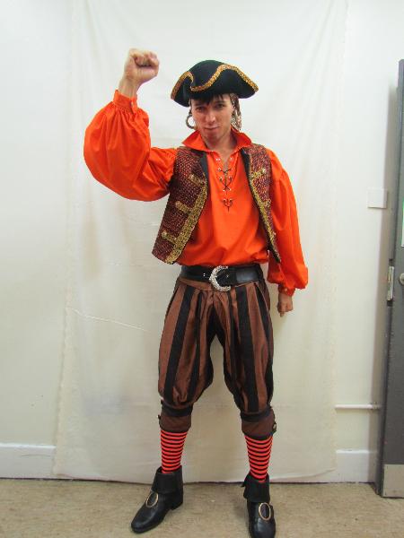 male-ensemble-pirate-1