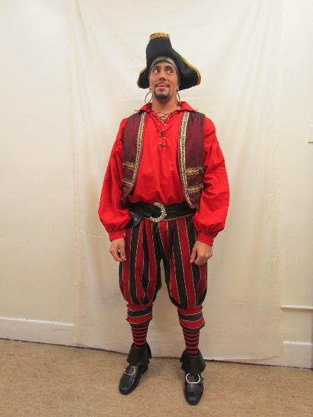 male-ensemble-pirate-4