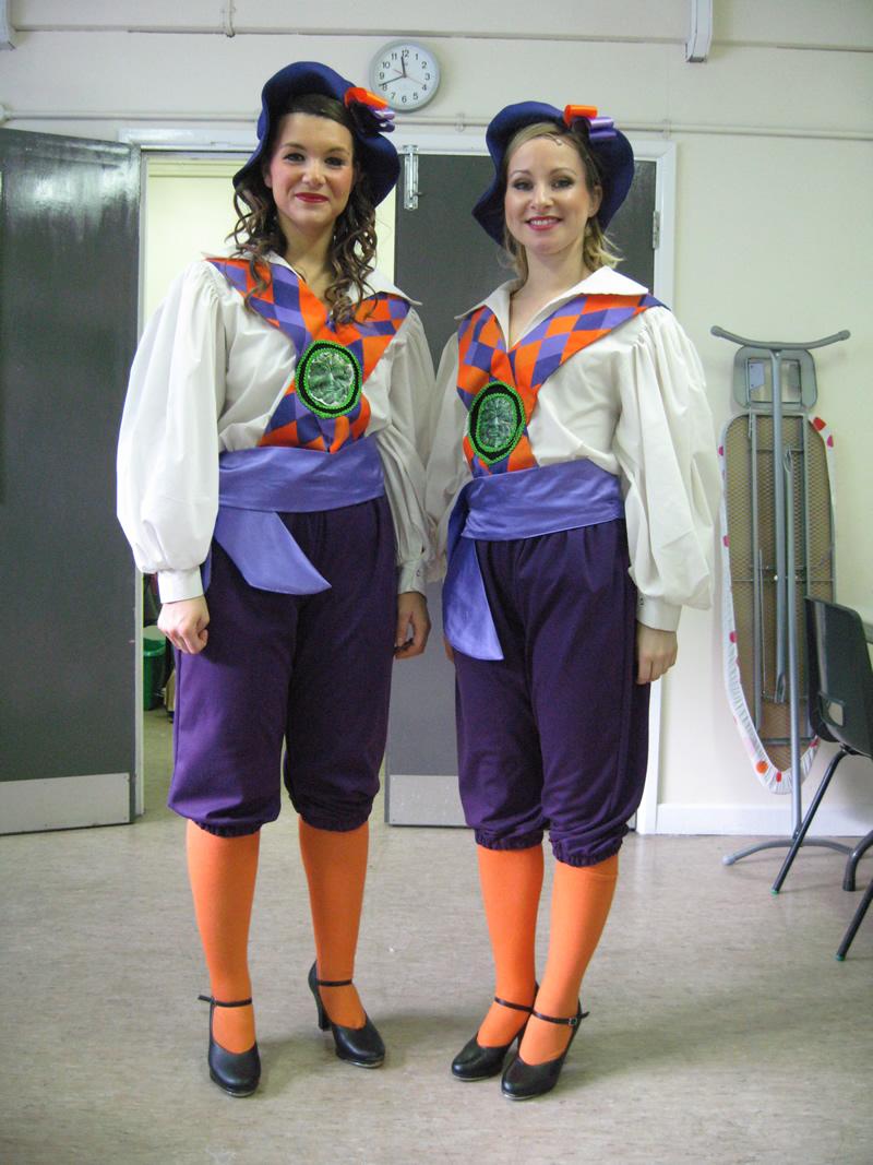 female-ensemble-morris-dancer-1