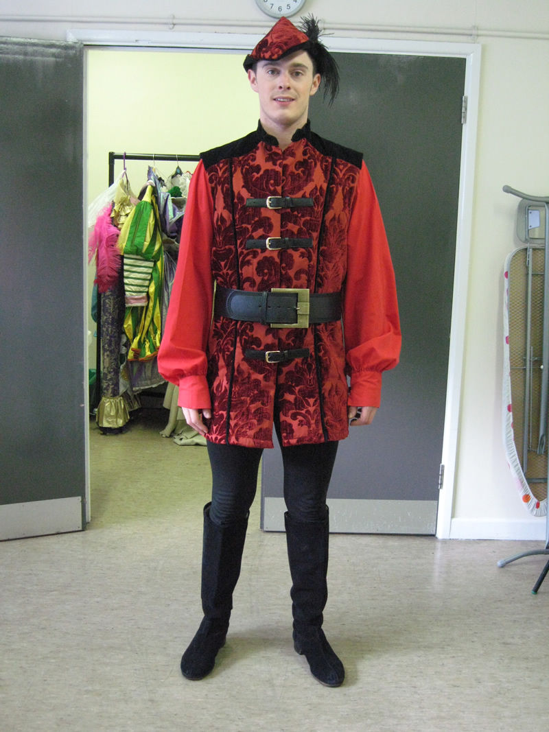 male-ensemble-merry-man-3