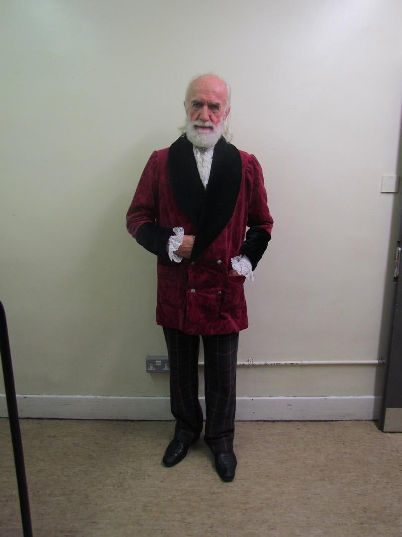 leonardo-professor-with-smoking-jacket